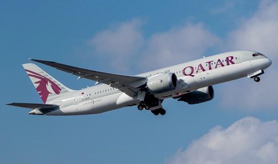 самолет Qatar Aairways